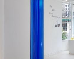 matouskova-blue-column-web